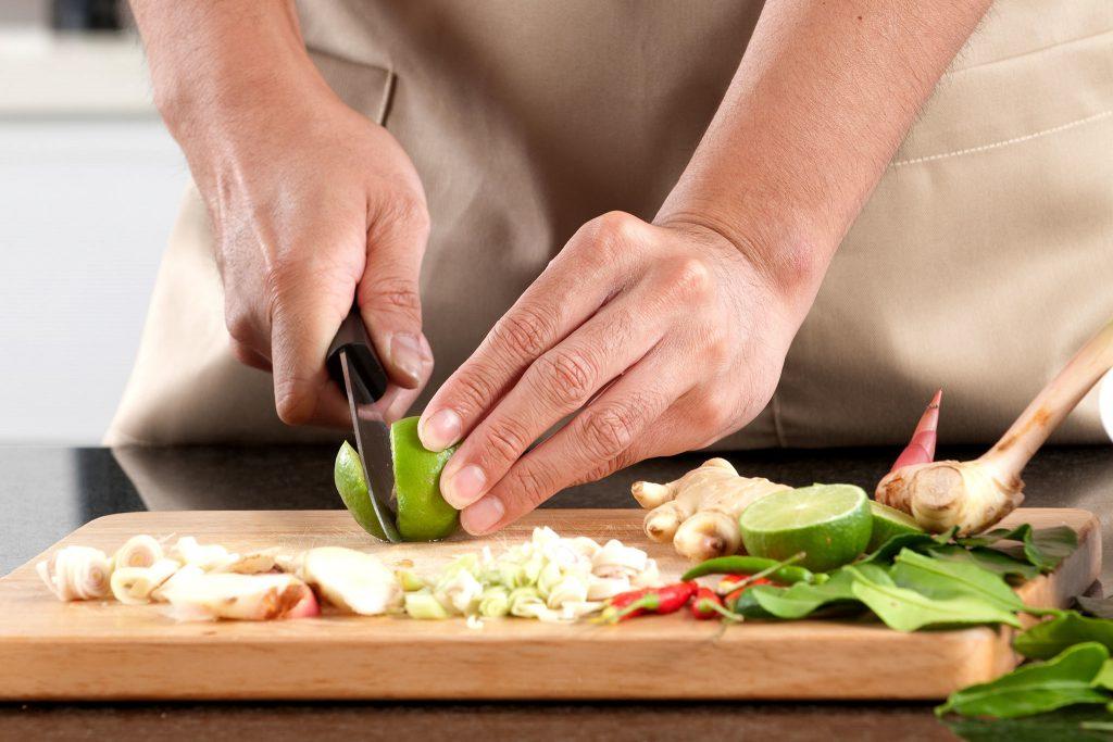 tuyển nhân viên phụ bếp